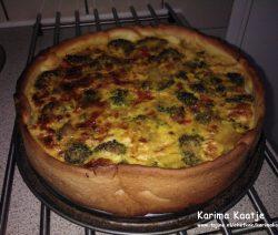 Vegetarische quiche met broccoli en courgette